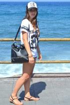 black footlocker hat - off white Lefties shirt - black Primark bag