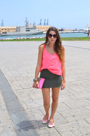 hot pink Stradivarius bag - army green New Yorker skirt - hot pink Ardene flats
