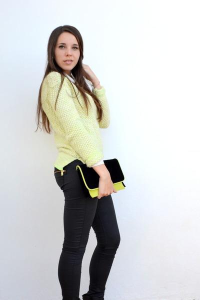 Primark sweater - Primark shirt - Primark bag - Bershka pants