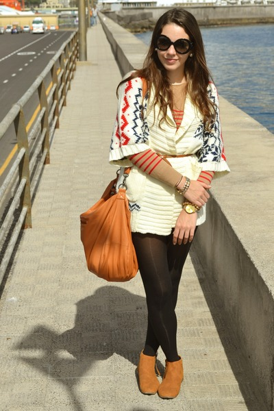 white Primark coat - camel Tienda local boots - camel Tienda local bag