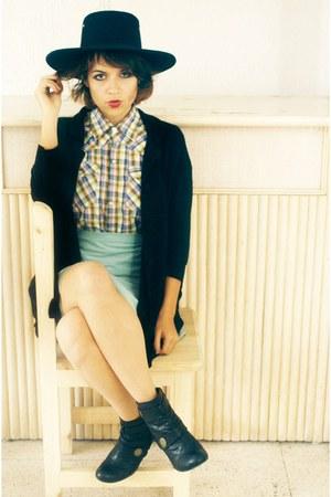 vintage hat - vintage skirt
