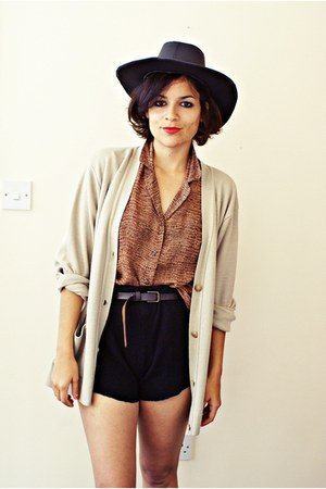Market hat - DIY shorts - vintage blouse