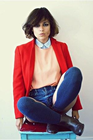 thrifted vintage blazer - vintage boots - thrifted vintage blouse