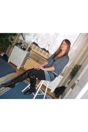 boots - skirt - blouse