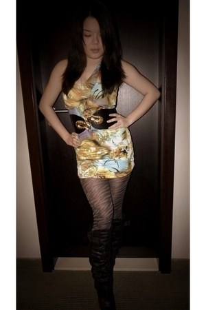 gold Motel belt - black fur-trim wedge new look boots - ami clubwear dress