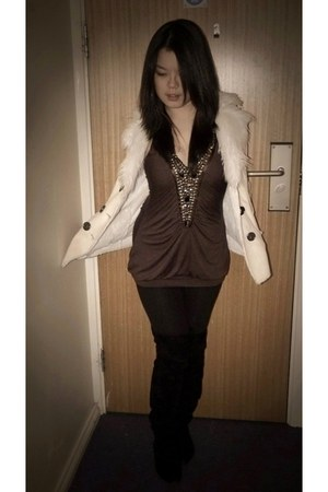 light brown Krisp top - ivory Jane Norman coat - black H&M leggings - black boot