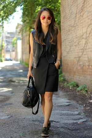 black Alexander Wang bag - army green Vince Camuto shoes