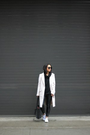 black faux leather trouve leggings - cream duster Forever 21 coat