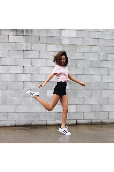 black SUPRÉ shorts - light pink pastel t-shirt Glassons top