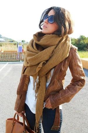 jacket - jeans - shirt - scarf - bag - glasses