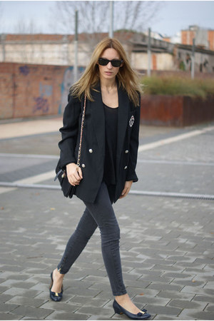 Ralph Laurent blazer - Sfera jeans - Salvatore Ferragamo heels