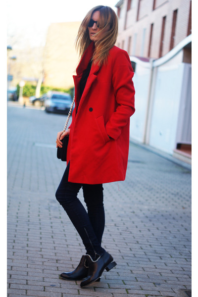 Romwecom coat - choiescom boots - Zara jeans