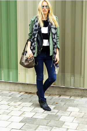 Topshop scarf - Oysho jacket - Bershka jumper