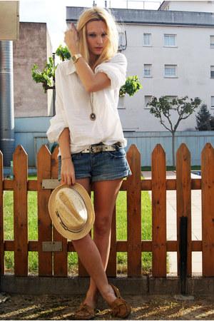 nude Topshop hat - navy Topshop shorts - white H&M blouse - tawny Minnetonka fla