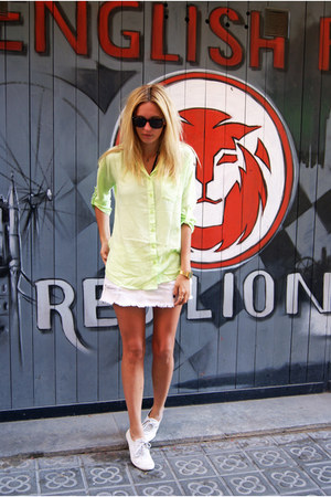 Romwecom blouse - Topshop skirt - Topshop sneakers