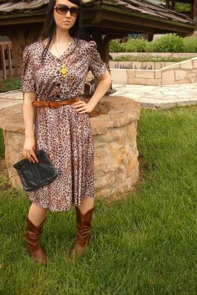 brown VintageDress dress