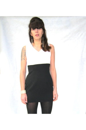 vintage dress - Jesss own tights - Jesss own bracelet - chain link Forever 21 ea