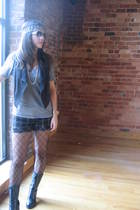 black Forever 21 boots - gold vintage necklace - Forever 21 shorts - gray Americ