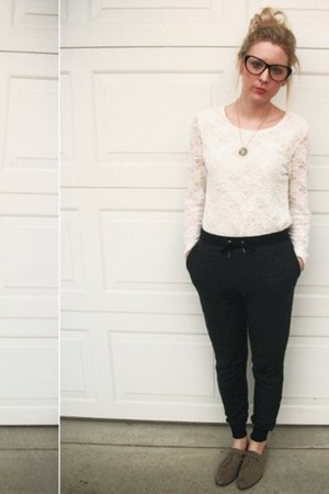 Forever 21 glasses - Forever 21 necklace - vintage top - Forever 21 pants - Fore