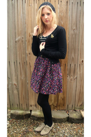 suede oxfords shoes - hat - black tights - black cardigan - floral print skirt -