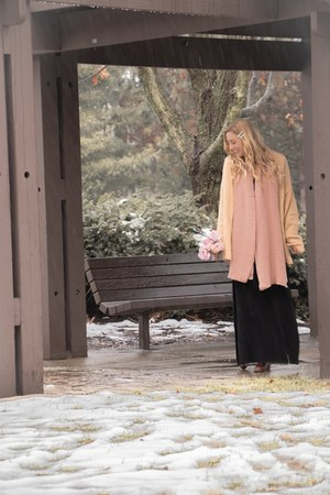 black maxi thrifted dress - pink knit Forever 21 scarf