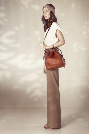 brown Massimo Dutti bag - tan Massimo Dutti hair accessory