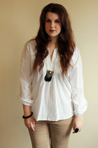 white H&M top - camel Zara pants - black Babi-Onlinecom necklace