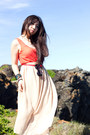 Eggshell-maxi-unknown-skirt-salmon-unknown-top-tan-nine-west-heels