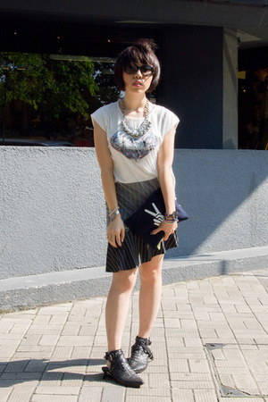 navy Edit bag - black Furla sunglasses - navy Zara skirt
