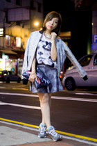 light blue printed Let Kuzmus jacket - white KOONHOR top
