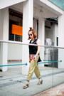 Navy-rayban-sunglasses-gold-custo-barcelona-pants
