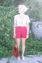burnt orange suede vintage bag - ruby red vintage shorts - nude metallic flats -