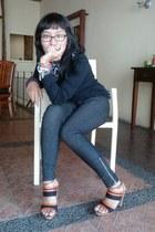 black stripes heels - dark gray jeans - black sweater