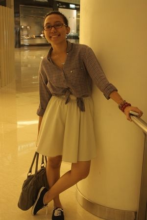 beige skirt - blue shoes - gray Ripcurl purse