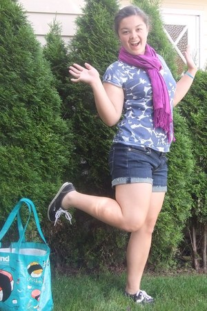 magenta gifted scarf - navy American Eagle shorts - black Vans sneakers - violet