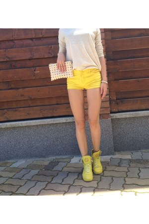 yellow Gucci shoes