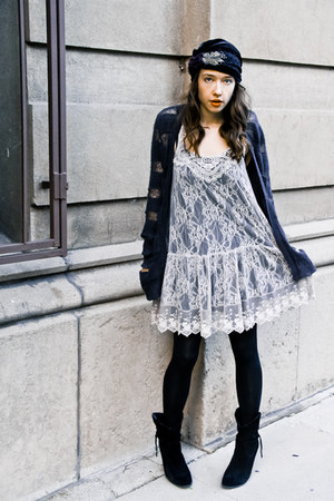 velvet Dolce Vita boots - grey lace dress Pink Kyoto dress - hat - SImone Collec