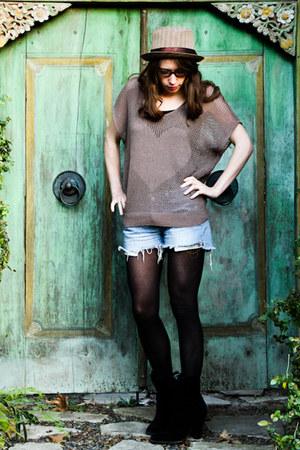 vintage hat - Millau shirt - cutoff shorts Levis shorts - bamboo spex Spex Club