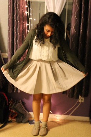 full skirt - My moms cardigan - Forever 21 blouse