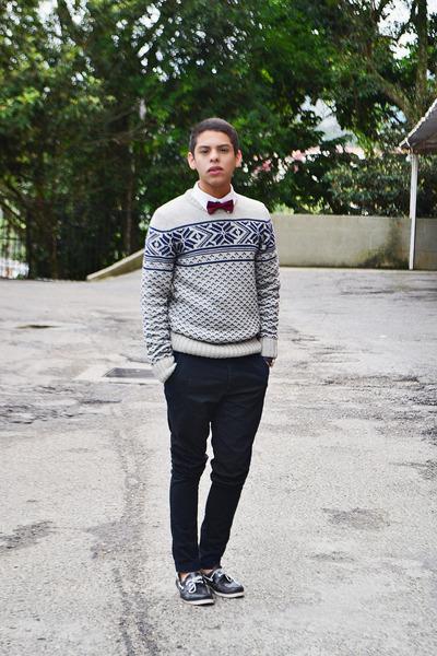 cream Pull & Bear sweater - black Foreva shoes - white H&M shirt