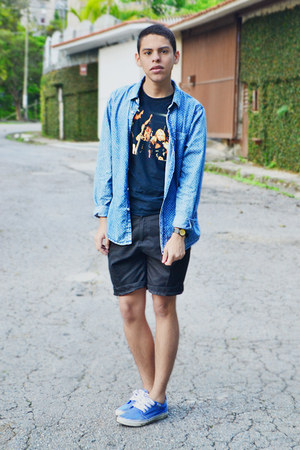 blue denim Pull & Bear shirt - black cotton gildan shirt - black asos shorts