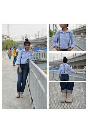 navy Levis jeans - sky blue Tommy Hilfiger shirt