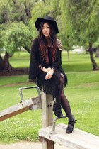 black floppy hat Urban Outfitters hat