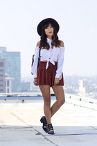 burnt orange suede Zara shorts - black Urban Outfitters boots