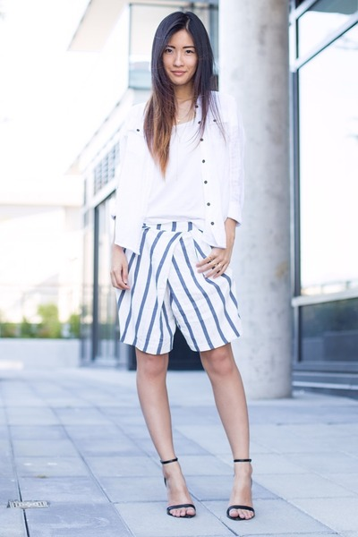 white H&M t-shirt - white free people shirt - white Zara shorts
