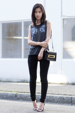 black Chaser top - black Frame jeans