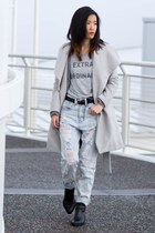 silver mad over you t-shirt - light blue Missguided jeans