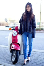 blue Zara jeans - dark gray vintage sweater - black Zara heels