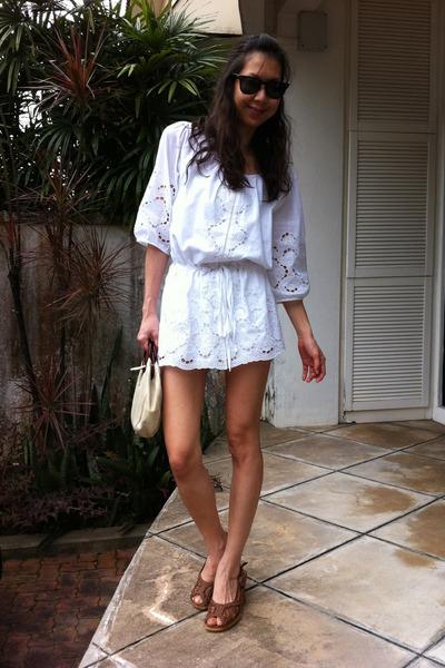 White no brand dresses black ray ban sunglasses tawny for Ray donovan white dress shirt brand