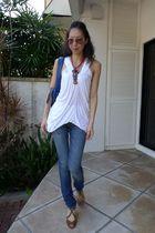 white SPY shirt - blue taveriniti so jeans